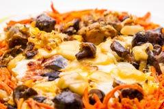 Omelette avec du fromage et des champignons Image libre de droits