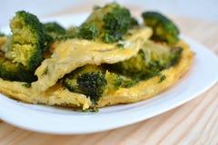 Omelette avec le brocoli Photos stock