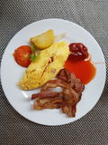 Omelette avec le lard Photo stock