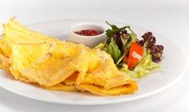 Omelette avec les légumes et le souce Photo libre de droits
