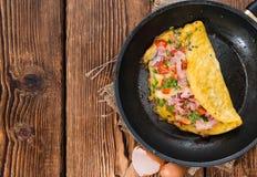 Omelette casalinga del formaggio e del prosciutto Fotografia Stock Libera da Diritti