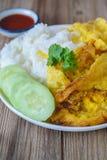 Omelette con riso, alimento tailandese, questa cucina, pranzo facile tailandese Immagini Stock Libere da Diritti