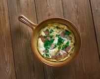 Omelette de chorizo et de tomate photo libre de droits