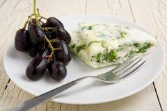 Omelette degli spinaci e del bianco d'uovo Fotografie Stock