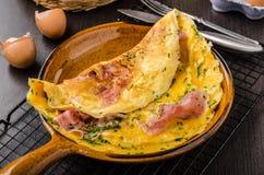 Omelette dell'uovo e del prosciutto fotografie stock libere da diritti