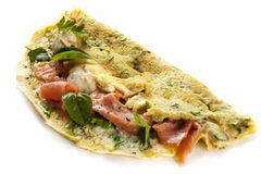 Omelette di Herbed con i salmoni affumicati Immagine Stock