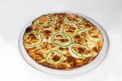 Omelette espagnole faite avec les oeufs et l'isolant de pommes de terre de poivrons d'oignons photographie stock libre de droits