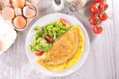Omelette et ingrédients Images libres de droits