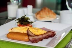 Omelette farcita con bacon Fotografia Stock Libera da Diritti