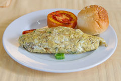 Omelette mit Tomate Lizenzfreie Stockfotografie