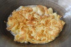 Omelette nello stile tailandese della vaschetta calda Immagine Stock Libera da Diritti