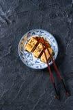 Omelette roulée par Japonais Tamagoyaki Images libres de droits
