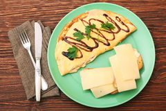Omelette with toast and cheese Royalty Free Stock Photos