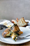 Omelette z dzikimi pieczarkami i szpinakiem Fotografia Stock