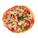 Omelette z pomidorami, pietruszką, salami i serem, zdjęcie stock