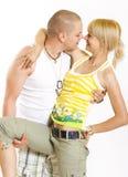 omfamna för par som är glamoröst Arkivfoton