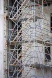 Omfattande material till byggnadsställning som ger plattformar Royaltyfri Bild