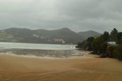 Omfattande Mundaca strand med omildheterna av orkanen hugo väderloppnatur Arkivfoton