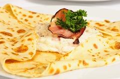 Omfloers met ham en geit-kaas Stock Afbeelding
