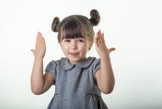 OMG! No! no!! Szczęśliwy zdziwiony dziecka 4 lub 5 lat odizolowywający na bielu Szokujący twarzy małe dziecko na białym tle fotografia stock