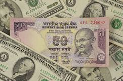 omge för rupee för amerikanska sedeldollar indiskt Arkivfoton