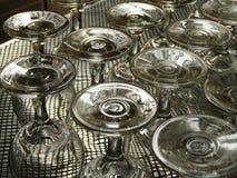 Omgedraaide wijnglazen Royalty-vrije Stock Fotografie
