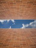 omgeende väggar för tegelstenpar Arkivbild