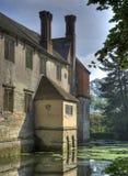 Omgett med vallgrav hus, Warwickshire Royaltyfria Foton