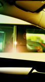 Omgivande bilar Arkivfoton