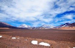 Omgivning av Laguna Verde i Chile Royaltyfria Bilder