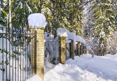 Omheining in de winter stock fotografie