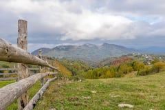 Omheining in een berglandschap Royalty-vrije Stock Afbeelding
