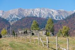 Omheining in een berglandschap Royalty-vrije Stock Foto