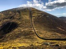 Omheining op helling, Slieve Donard, Provincie neer, Ierland Royalty-vrije Stock Afbeelding