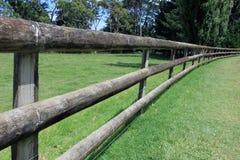 Omheining rond Één Boomheuvel, Auckland Stock Afbeeldingen