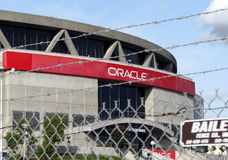 Omheining rond Oracle-Arena in Oakland, Californië stock fotografie