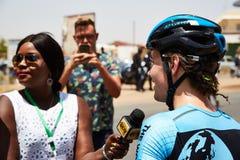 Omhels Wereld het Cirkelen bij Reis du Senegal 2017 Stock Foto