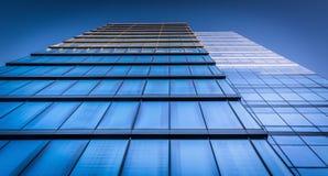 Omhoog bekijkend het WSFS-Bankgebouw in Wilmington van de binnenstad, Del royalty-vrije stock foto's