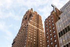Omhoog bekijkend in Hilton Manhattan East, vroeger Tudor Hotel, New York Stock Afbeeldingen