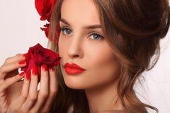 Omhoog maakt de schoonheids modelvrouw met mooi Royalty-vrije Stock Foto's