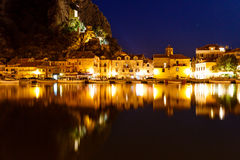 Omis有启发性海盗城堡和城镇  库存图片