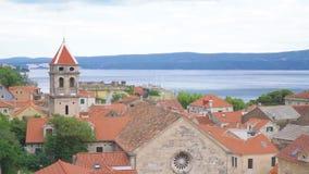 Omis i Kroatien lager videofilmer