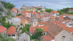 Omis i Kroatien stock video