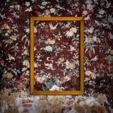 Omlijstingen op concrete muur royalty-vrije stock foto's