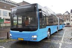 Omnibus articulado foto de archivo