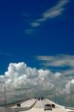 Omnibus au ciel Images stock