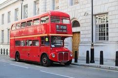 Omnibus del rojo de Londres Imagen de archivo