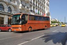 Omnibus en Atenas Grecia Foto de archivo libre de regalías