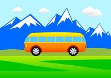 Omnibus en las montañas stock de ilustración