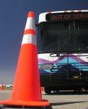 Autobús y cono 2 del tráfico imagen de archivo libre de regalías
